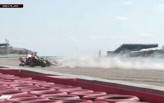 Fortísimo choque de Verstappen tras un toque de Hamilton