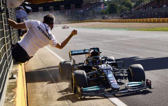 Mercedes saca petróleo de las mejoras