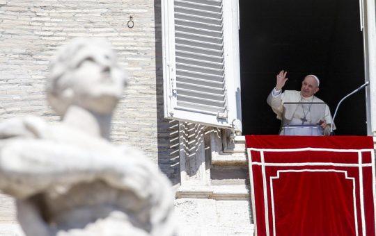 El papa muestra su cercanía por las inundaciones en México y los fallecidos en el hospital