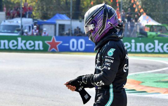Hamilton: «Verstappen sabía lo que iba a pasar»