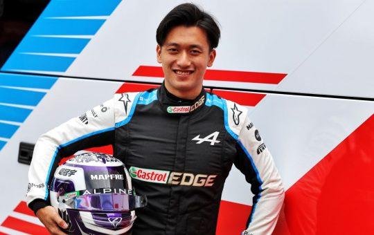 Zhou apunta al Alfa Romeo