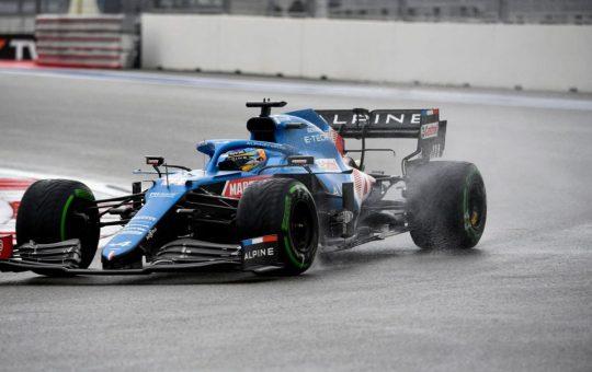 Alpine piropea la magia de Alonso