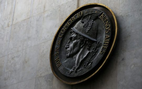 Bolsa argentina cae por toma de utilidades tras fuerte rally alcista de ocho sesiones