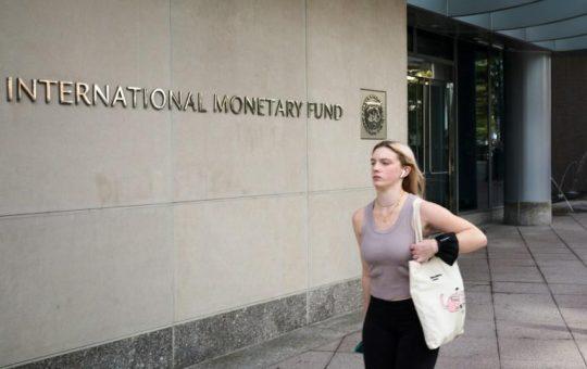 FMI insta a los países a «calibrar» sus gastos ante elevado nivel de deuda