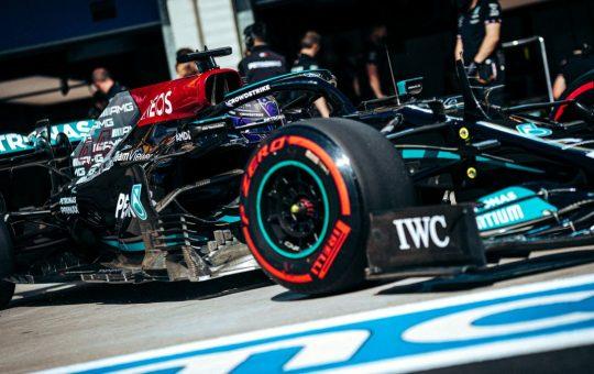 Hamilton: «Necesito hacer la pole para limitar la pérdida»
