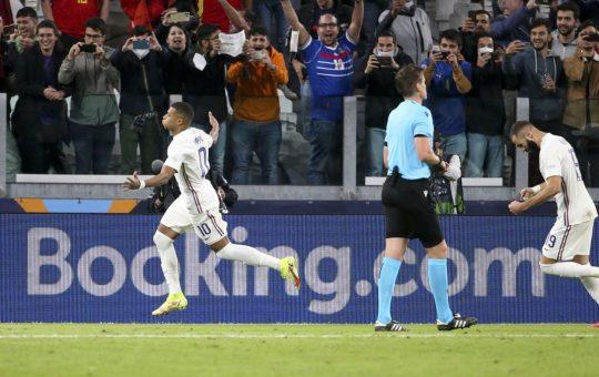 La UEFA reacciona al polémico gol de Mbappé a España