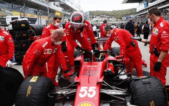 Motor nuevo y penalización en la parrilla para Carlos Sainz
