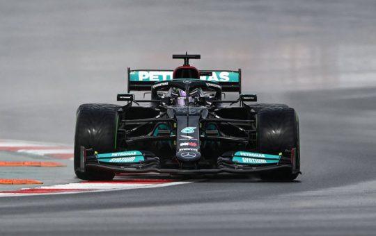 Resumen clasificación GP Turquía: Hamilton cumple su promesa y Alonso impresiona